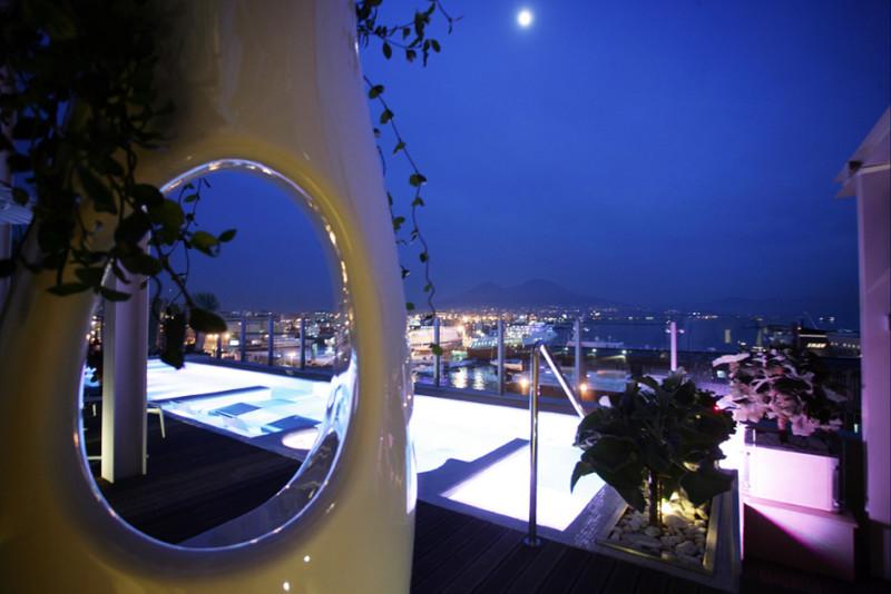 Hotel-Romeo-Napoli-piscina-idromassAGGIO-ESTERNO-51