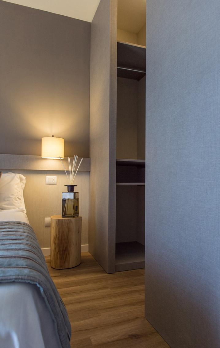 HOTEL DE LA VILLE RICICONE 3