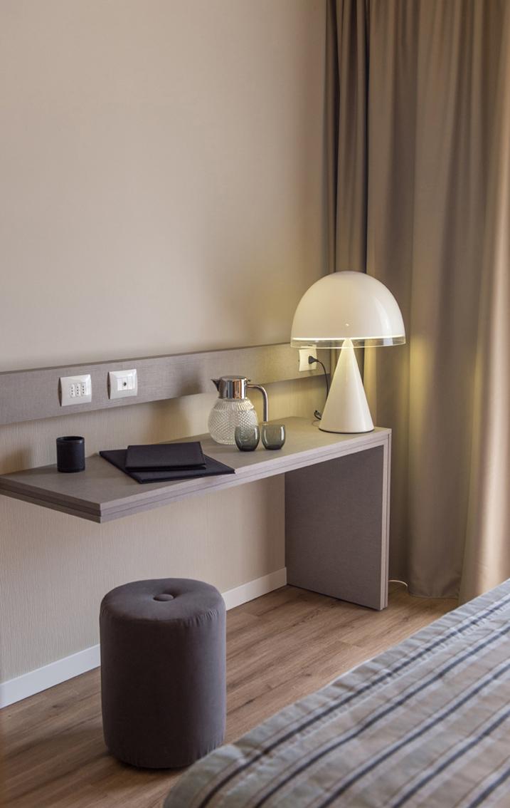 HOTEL DE LA VILLE RICICONE 5